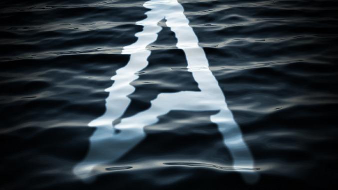 水中に文字が浮かぶようなデザインエフェクトを作成する方法