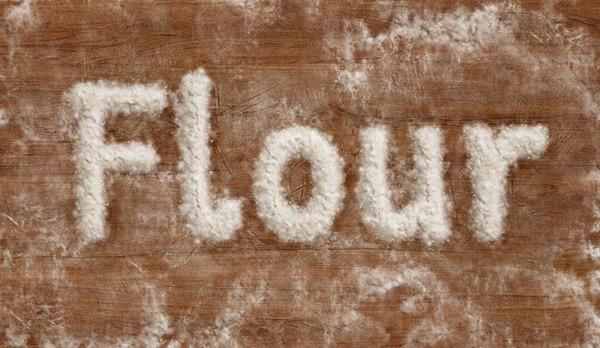 小麦粉で文字をデザインする方法