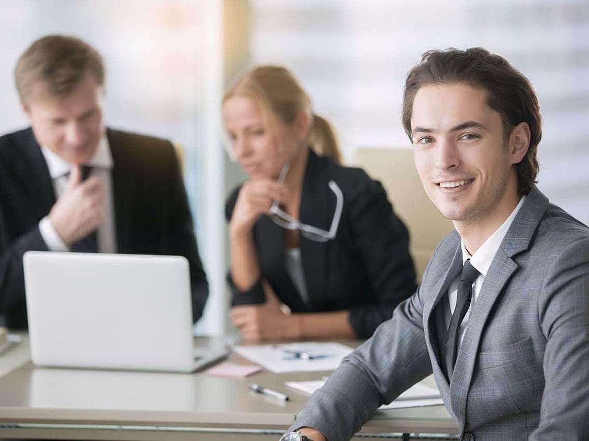 「自社に合ったSFAを選ぼう!51サービス徹底比較」の見出し画像