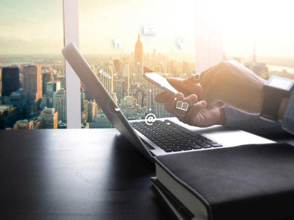 「グループウェアの無料サービス10選!情報共有やコミュニケーションのビジネス円滑化ツール」の見出し画像