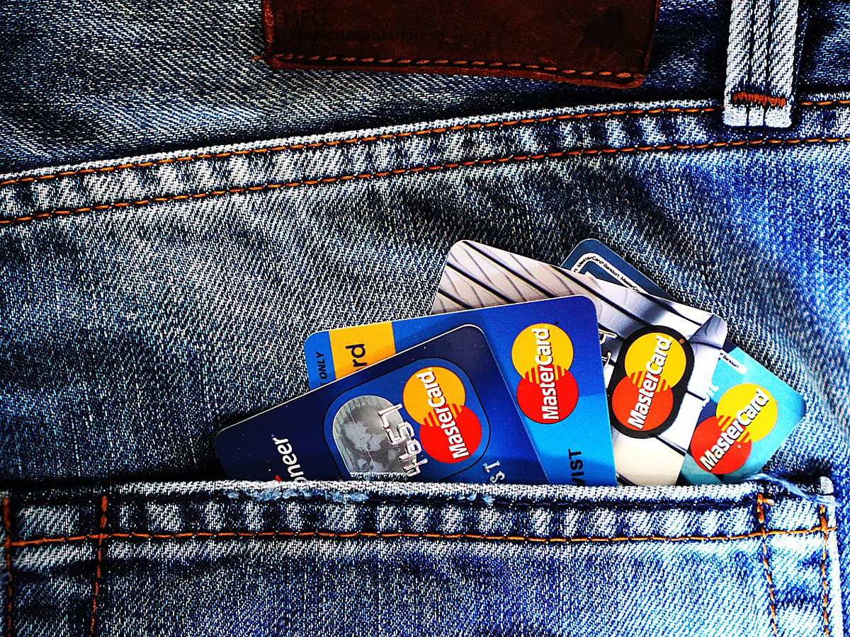 「お店のカード決済がスマホで簡単に!国内クレジットカードリーダー12選」の見出し画像