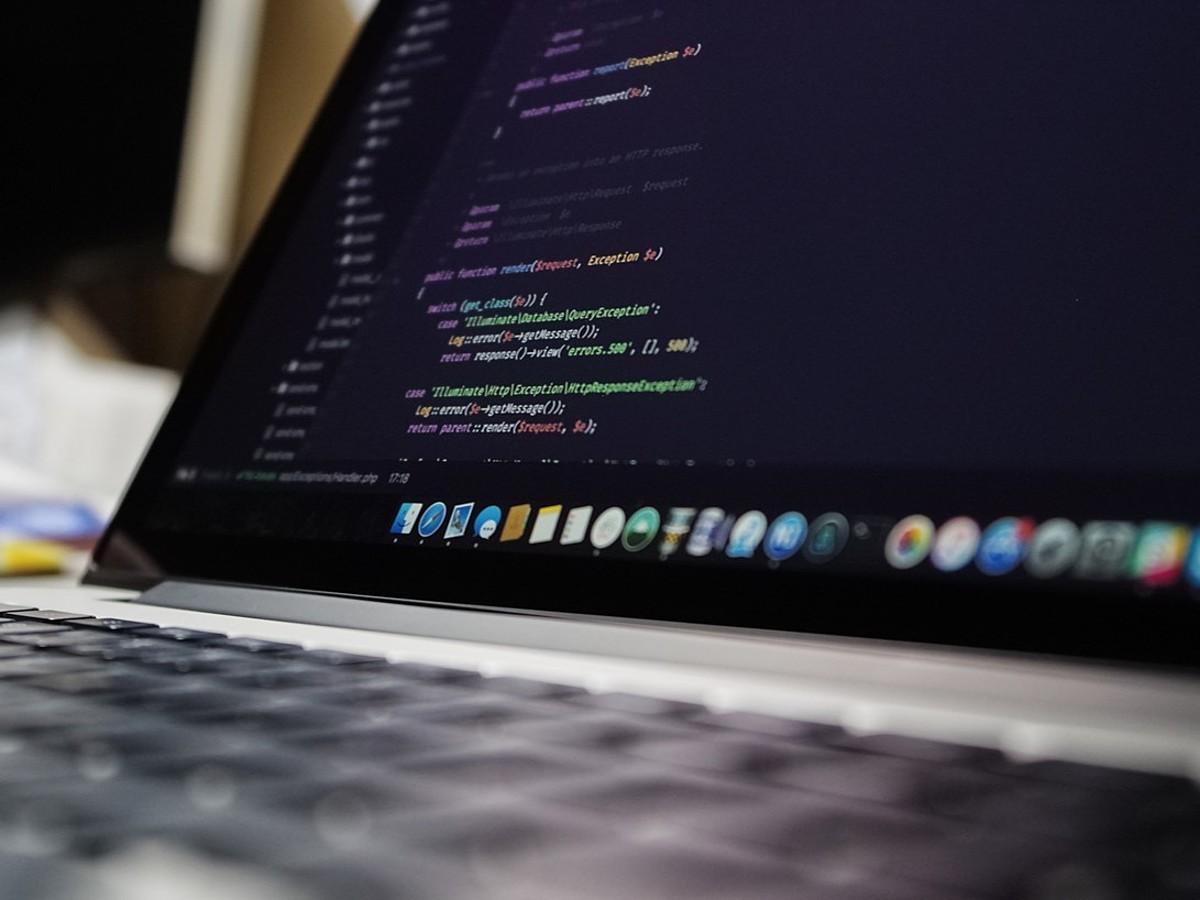 「Webデザイナー必見!コーディングを気軽に練習できる無料Webサービスまとめ」の見出し画像