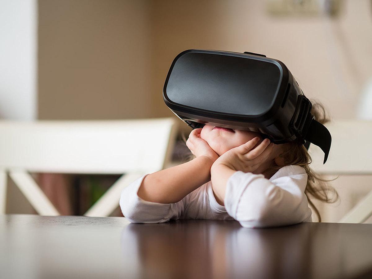 """「""""VR元年""""と言われた2016年発売の注目VR製品17選」の見出し画像"""