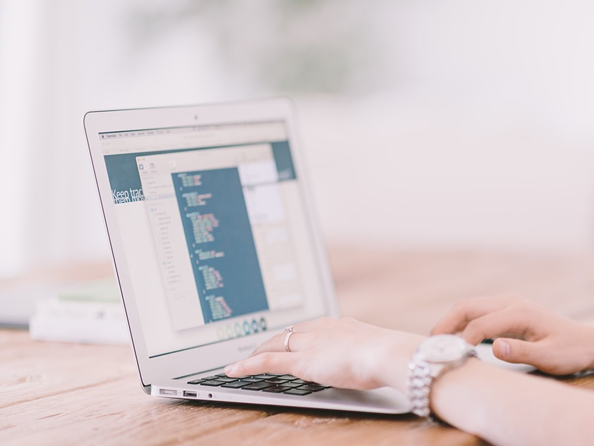 「WordPressを導入するメリット・デメリット+デメリットの対処方法を解説」の見出し画像