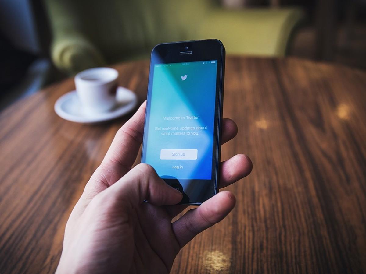 「Twitterの新広告メニュー「カンバセーショナルカード」とは」の見出し画像