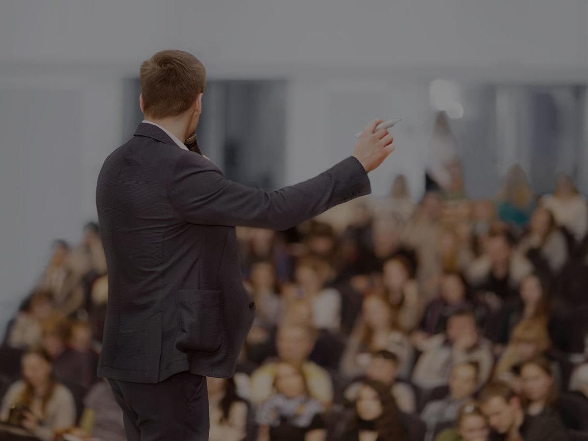 「ライバルに差をつけたい!ビジネスマン必見のプレゼン成功の極意を学べる名著15選」の見出し画像
