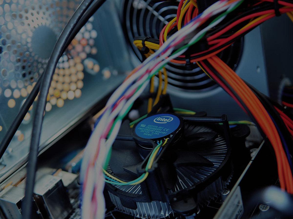「レンタルサーバー?クラウドサーバー?あなたに最適なサーバーの形態を見極めるポイントを徹底解説」の見出し画像