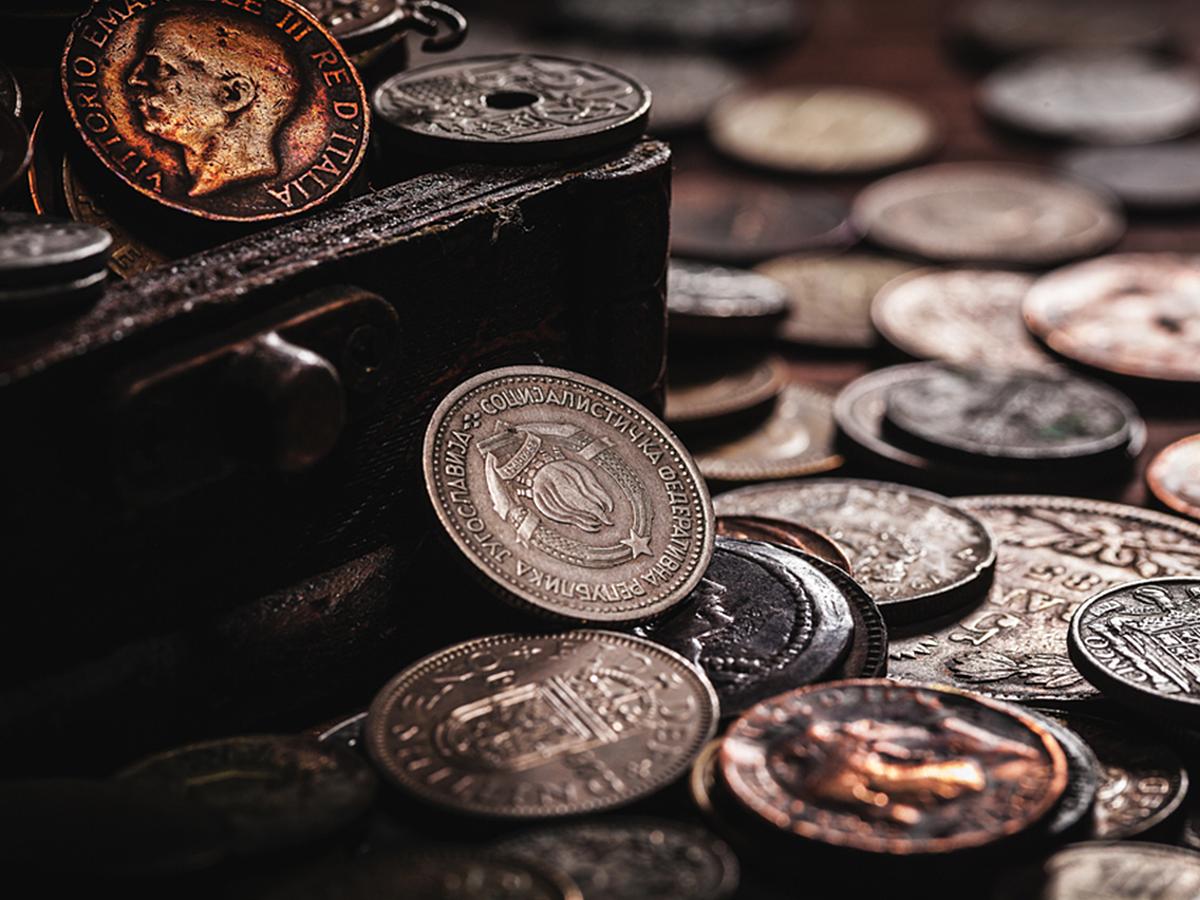 「【ビットコイン、Suica等】電子マネーと仮想通貨の違いって?現金なしで金融取引できるサービス7種類まとめ」の見出し画像