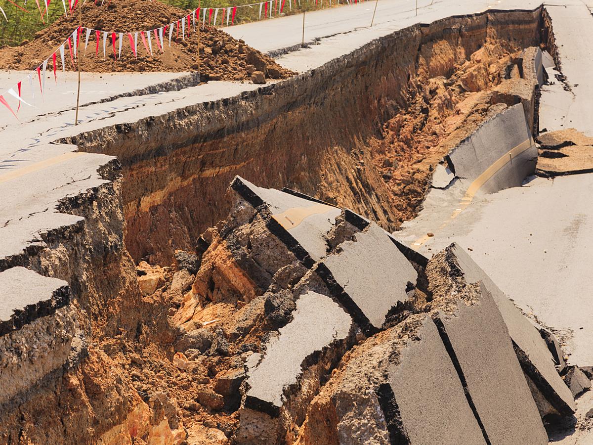 """「地震大国日本のWeb担当者必見!""""もしも""""の時の備えとなるBCP(事業継続計画)とは?」の見出し画像"""