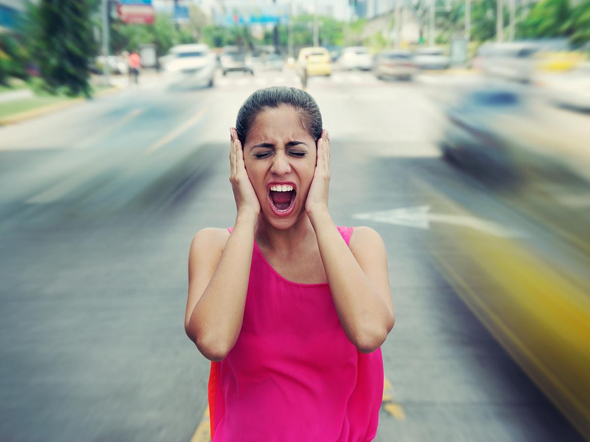 「ネット広告の音声はどう扱えばいい?動画広告で音声に配慮するための3つのポイント」の見出し画像