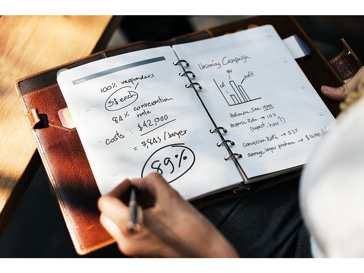 「知っているだけで頼りにされるかも?Excelの関数でアンケート結果を統計グラフ化しよう」の見出し画像