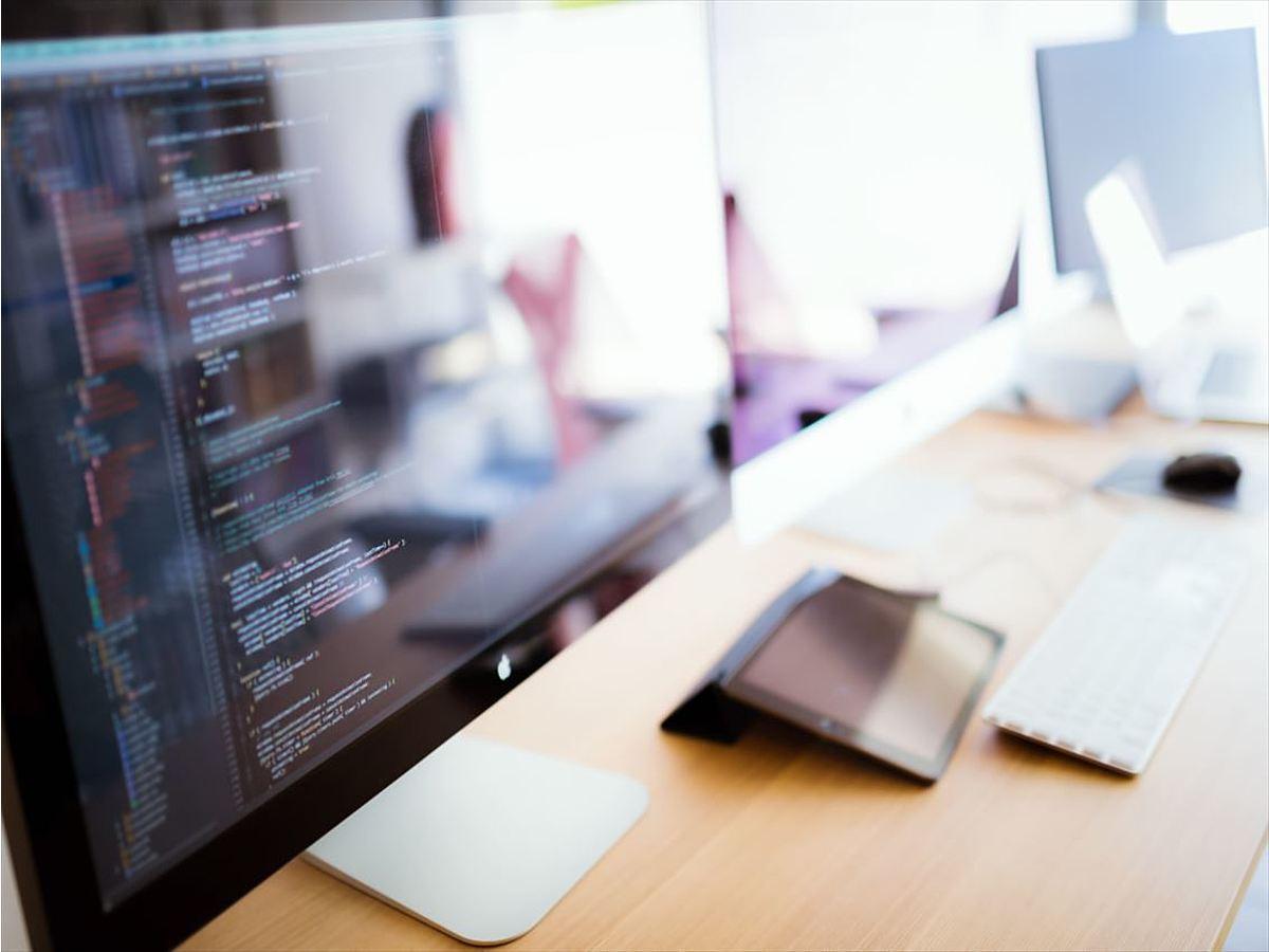 「ホームページ制作初心者のためのHTMLタグの基礎知識・書き方がわかる記事5選」の見出し画像