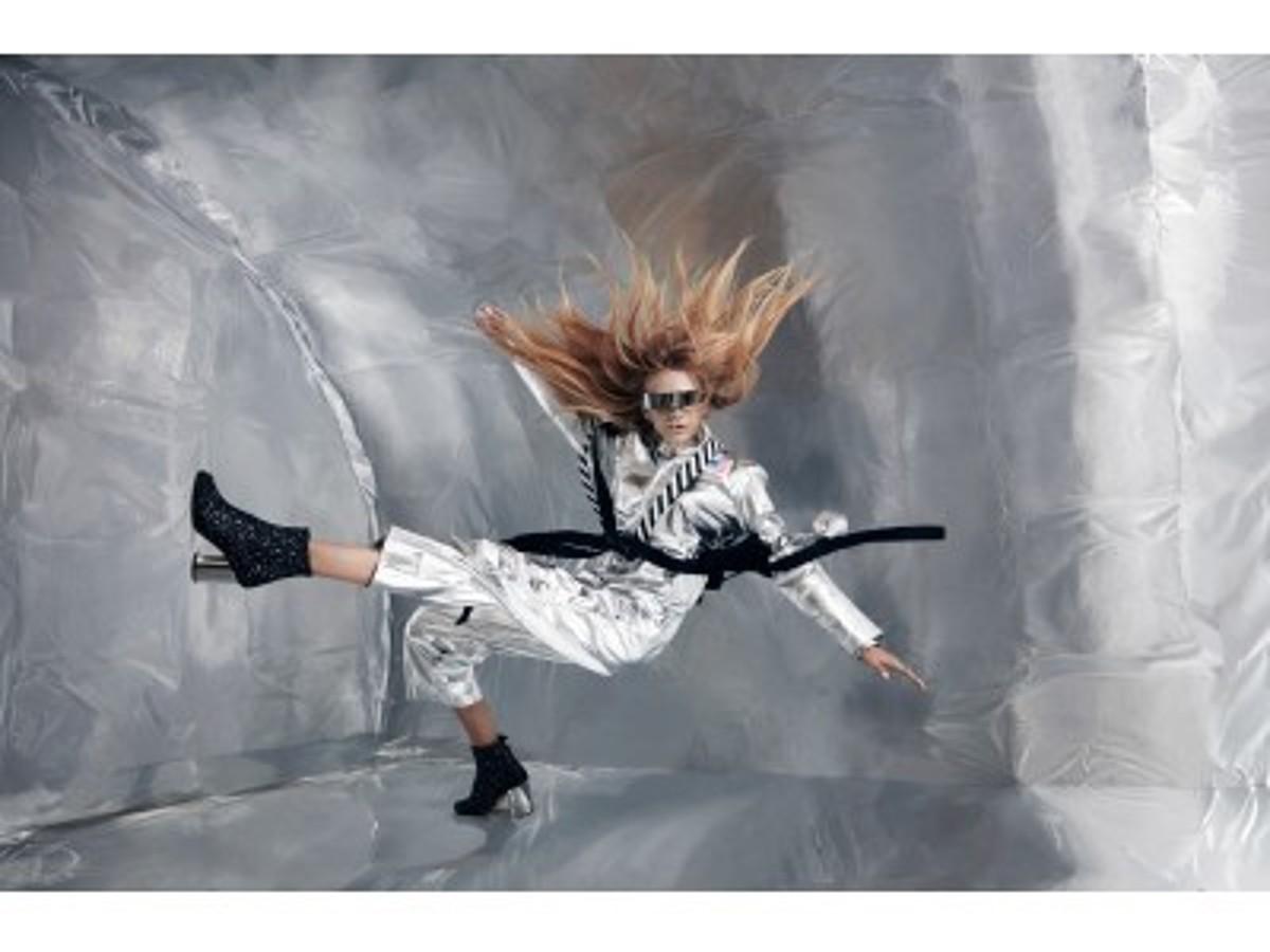 「Wix.com、無重力空間でのファッション撮影を実施」の見出し画像