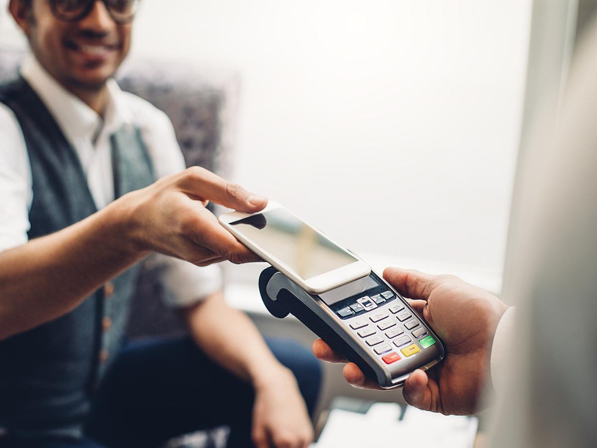 「クレカ決済を手軽に導入できる!店舗運営者必見のモバイル決済アプリ10選」の見出し画像