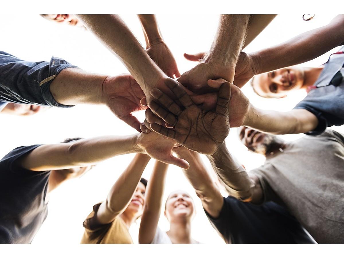 「チームで仕事をする人必見!チームビルディングの概要を解説」の見出し画像