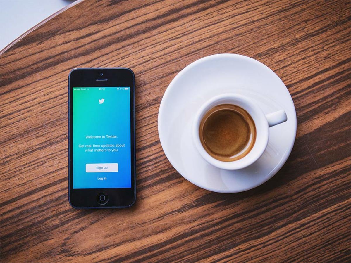 「Twitterの新動画広告フォーマット、ビデオウェブサイトカード・インストリーム動画広告の出稿方法を解説」の見出し画像