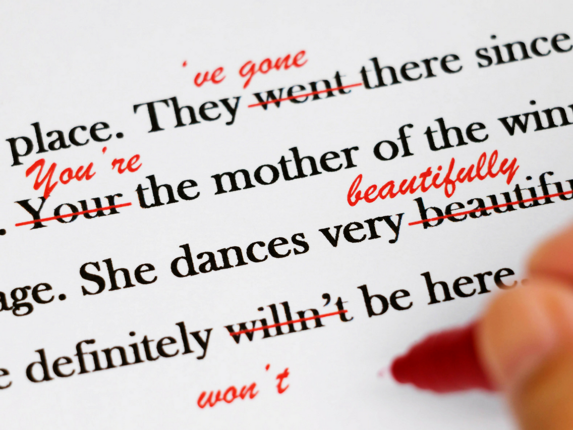 少しでも誤字脱字を減らすために!校正・校閲の基本の5ステップを解説
