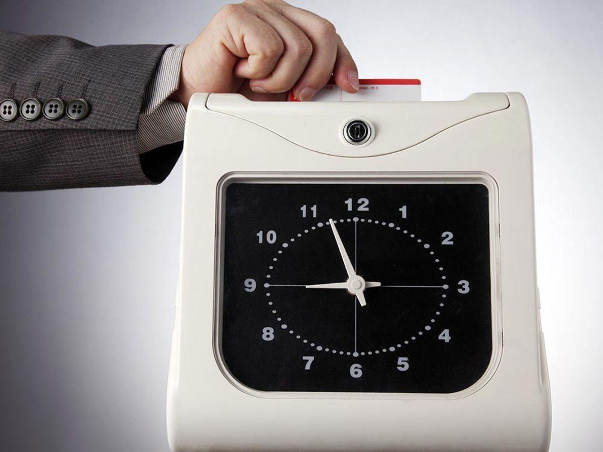 「勤怠管理ツールは導入すべきか!選定時のポイントとオススメツール8選」の見出し画像