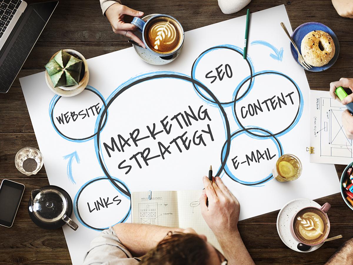 「マーケティングのプロセスで考える「CRM」「SFA」「MA」の役割とは」の見出し画像