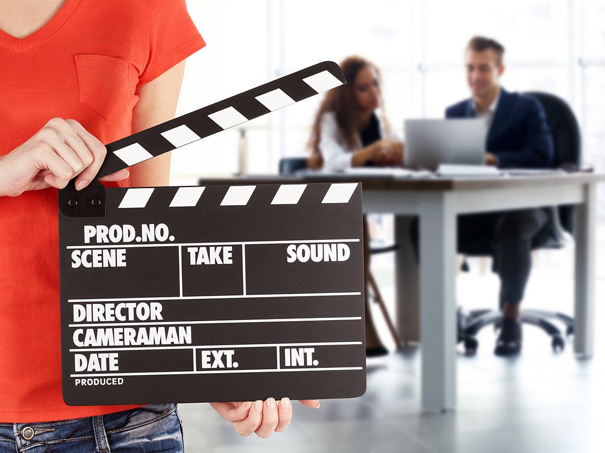 「BtoB企業こそ動画を使うべき!3つのメリットと具体的な活用シーンを徹底解説」の見出し画像