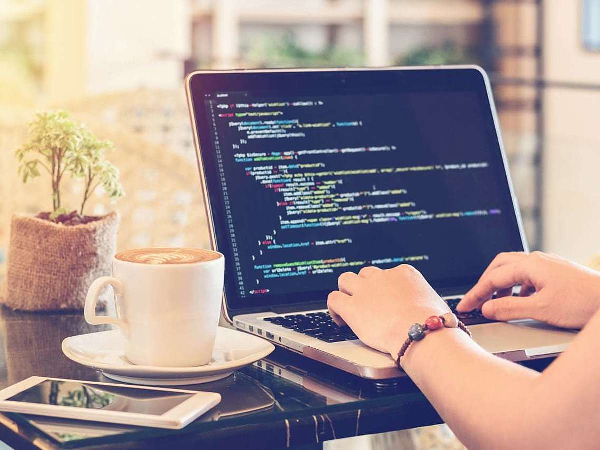 「JavaScript初心者にもオススメ!クリーンなコードでHTMLを拡張する「Stimulus」とは?」の見出し画像