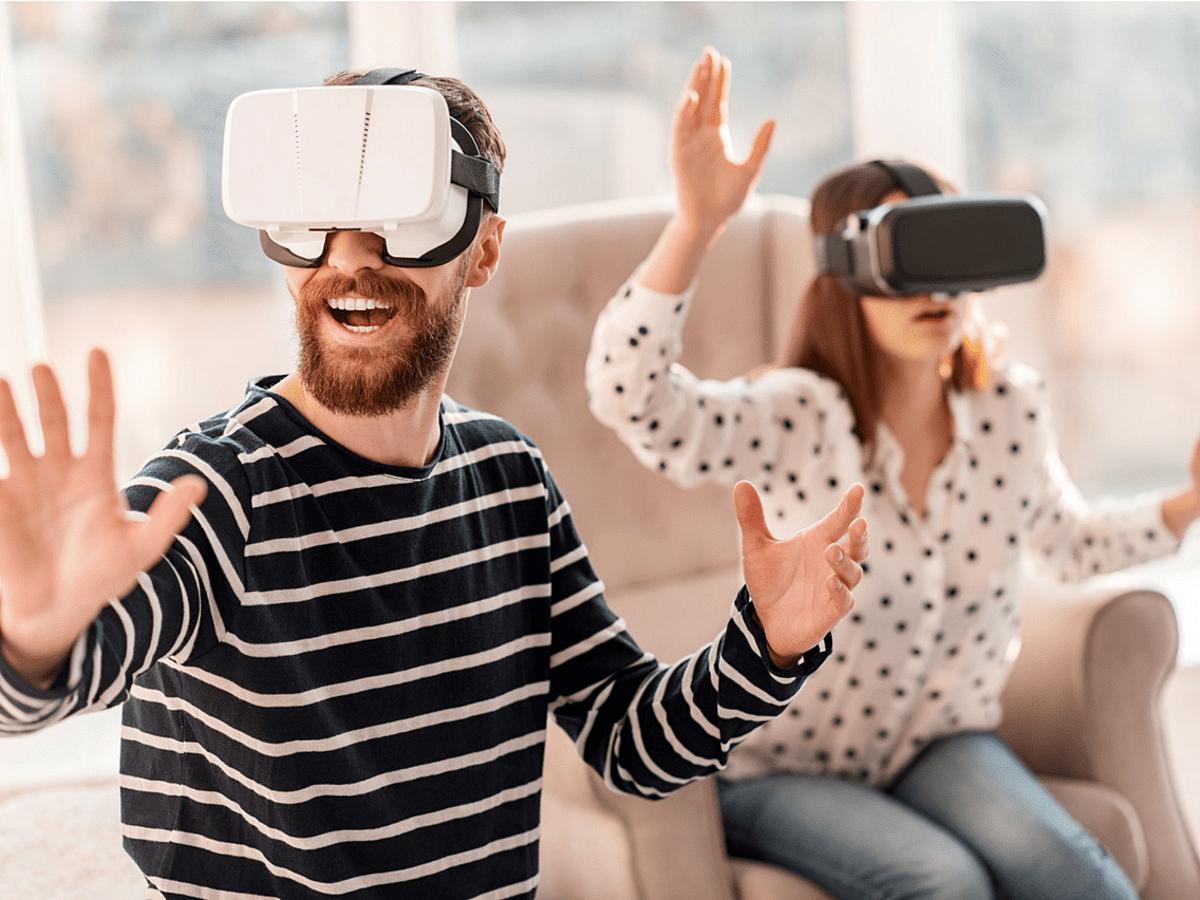 「座ったままで旅行体験?!VRのビジネス活用事例4選」の見出し画像